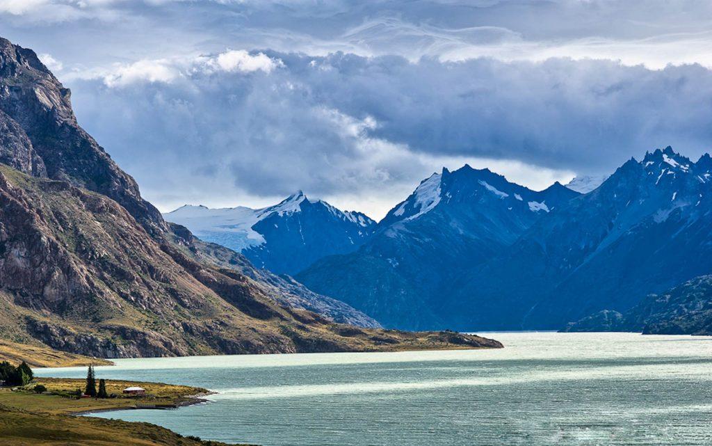 <p>Refugiarse en una recóndita y mágica estancia argentina con vistas al majestuoso Fitz Roy.</p>
